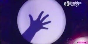 Confira o que esse artista é capaz de fazer apenas com sombras!