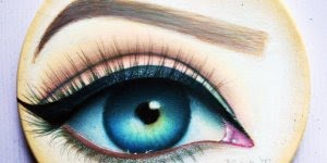 Desenho de olho feito em madeira com lápis de cor, veja a que perfeito!!!