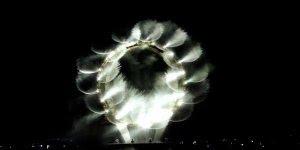 Obra de arte com luz e água, você vai querer ficar vendo o video a noite toda!