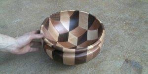 Passo a passo da fabricação de uma tigela de madeira, lindo trabalho!