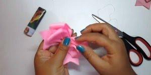 Aprenda a fazer laço para amarrar o cabelo, fica muito lindo!