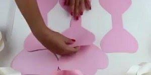 Como fazer um botão de rosa com EVA, fica lindo para enfeitar festas!