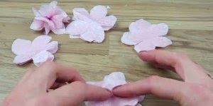 Flores artificiais feitas com papel de seda, o resultado é incrível!