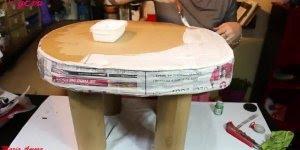 Mesa feita de papelão, ela fica parecendo que foi feita com madeira!