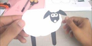 Tutorial de como fazer uma ovelhinha para contar historinhas para crianças!!!