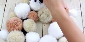 Tutorial de enfeites de Natal feitos com pompom de lã, simplesmente fofinhos!!!
