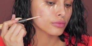 Aparelho que limpa os poros para poder passar a maquiagem, confira!