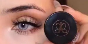 Correção de sobrancelhas perfeitas, vale a pena conferir este vídeo!!!