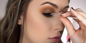 Maquiagem que finaliza a sombra com o dedo, que linda que ficou!