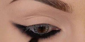 Olho bem marcado com lápis preto, e sombra preta com esfumado marrom!!!