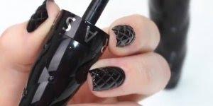 Para as amantes do esmalte da cor preta veja só este tutorial!!!