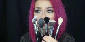 Pele sendo feita com Beauty Blender, ela é perfeita para make!!!