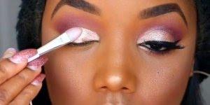 Que lindo esse tutorial de maquiagem! Veja só estas cores nos olhos, e o batom!!