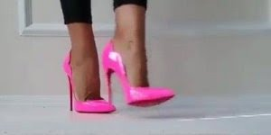 Sapatos Maravilhosos - Escolha qual combinaria mais com, seu estilo!
