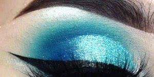 Sombra azul com aplicação de Glitter, olha só que perfeição esta make!!!