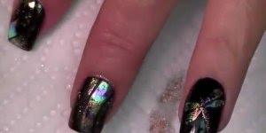 Tutorial de unhas decoradas na cor preta com desenhos metálicos!!!