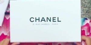 Vídeo com linda bolça da Chanel cor de rosa, simplesmente linda!!!