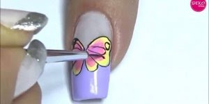 Vídeo com tutorial de desenhos de borboletas nas unhas, olha só que lindas!!!