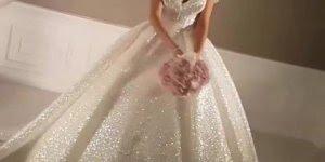 Vídeo com vestido maravilhoso para noivas, vale apena conferir!!!