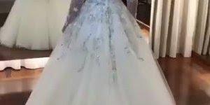 Vídeo de vestido maravilhoso para as noivas de plantão, é apaixonante!!!