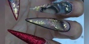 Vídeo mostrando unhas de acrílico sendo feitas, olha só que trabalho fantástico!