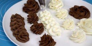 Creme de chocolate branco e chocolate meio-amargo para coberturas ou recheios!