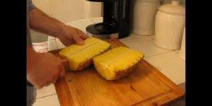 Existe como descascar abacaxi da maneira mais fácil? Aprenda aqui!