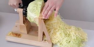 Invenção fantástica para cortar repolho, agora ficou fácil!