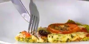 Pizza com massa de brócolis, uma opção para quem quer algo mais leve!