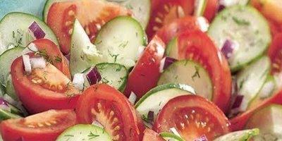 Por que falam que não pode comer pepino e tomate na mesma salada?