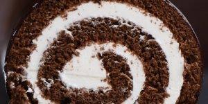 Rocambole de Chocolate com recheio de Marshmallow, delicioso!