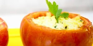 Tomate Recheado Light com queijo branco - Uma delícia de receita!