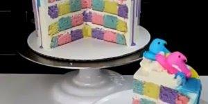 Vídeo com bolo xadrez mais incrível que você já viu na vida!!!